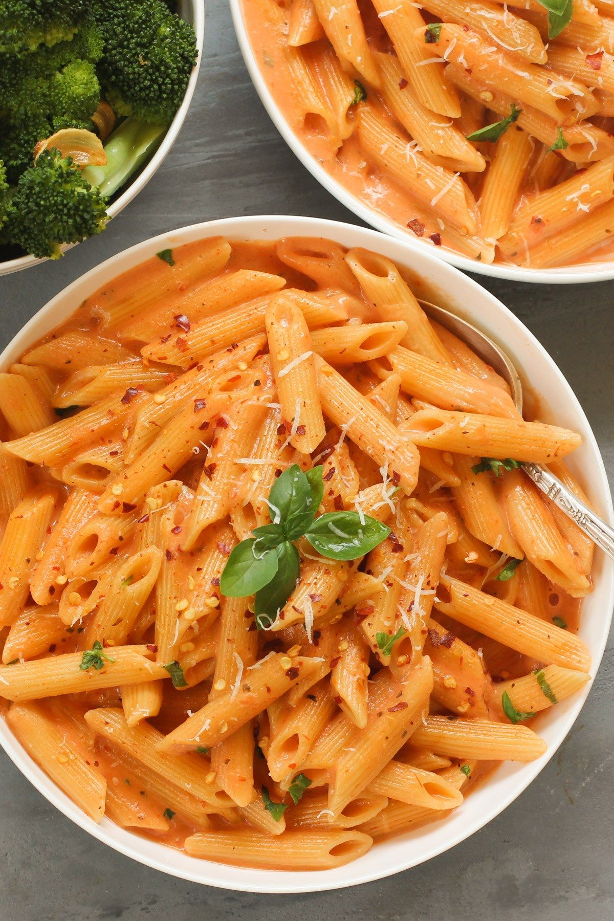 Pasta with Tomato Cream Sauce using InstaPot - Ministry of Curry