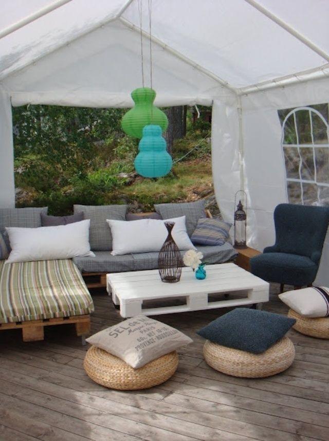 Salon de jardin réalisé en palettes sous une tonelle | Terrasse ...