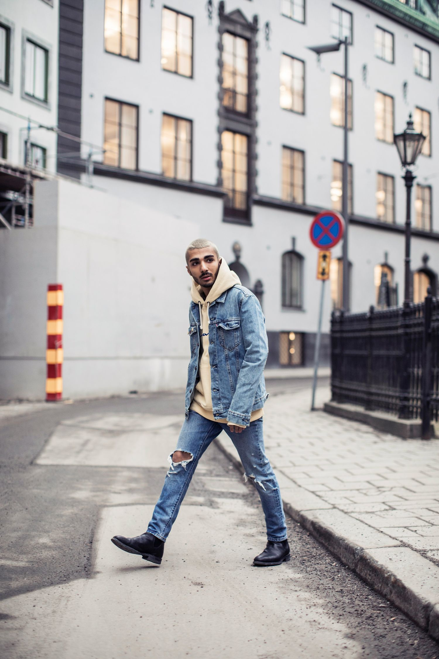 Walk this way. Rami Hanna wears double-denim with style in his 501 Skinny Jeans and Sherpa Trucker.