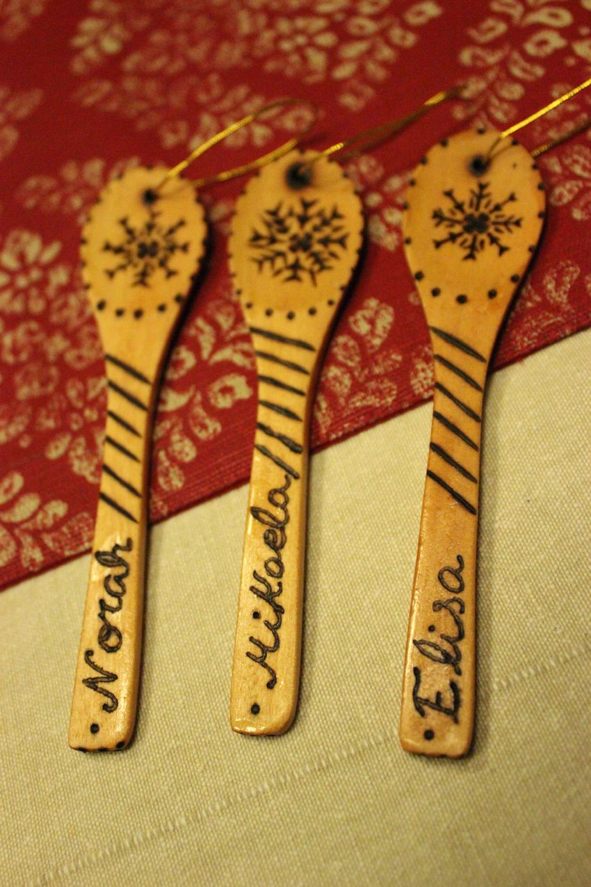 """For Mikaela, Elisa and Norah Fox, Christmas """"Spoons"""" to decorate the Christmas tree"""