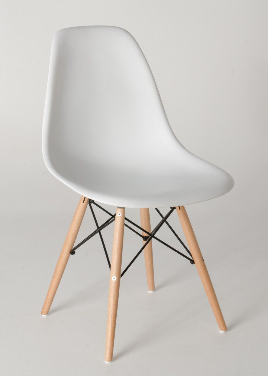 Milano Republic Furniture   Replica Charles Eames DSW Dining Chair   Plastic,  Black Steel,