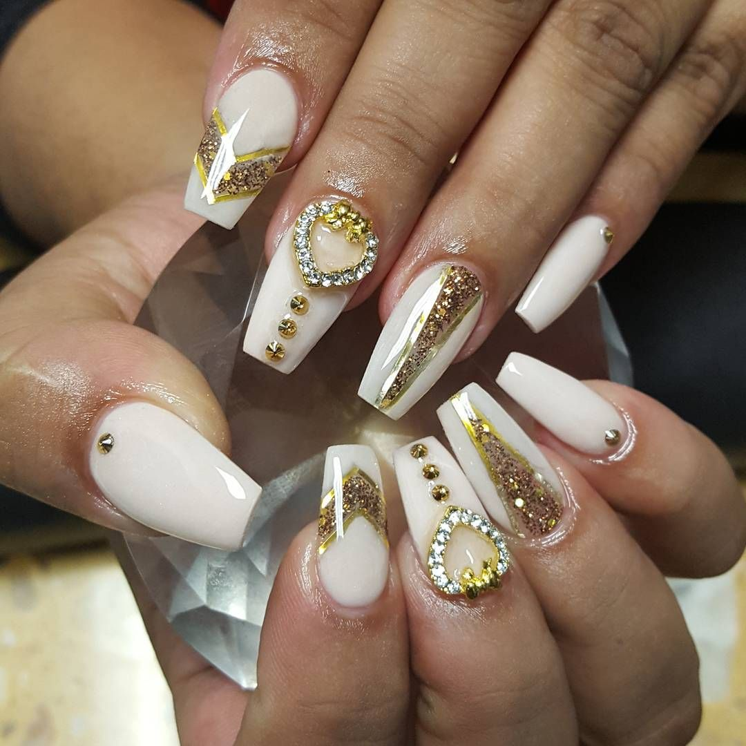 awesome 30 Sparkly Ideas for Diamond Nails - A Girl\'s Best Friend ...