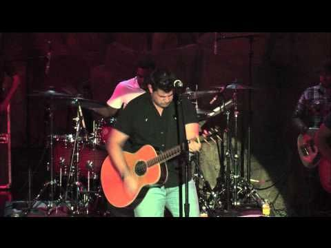 Josh Gracin plays a brand new song live at the Wolf Den