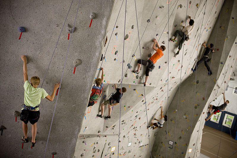 Indoor Klettern ist das etwas andere Workout und trainiert den Körper doch genauso gezielt und…