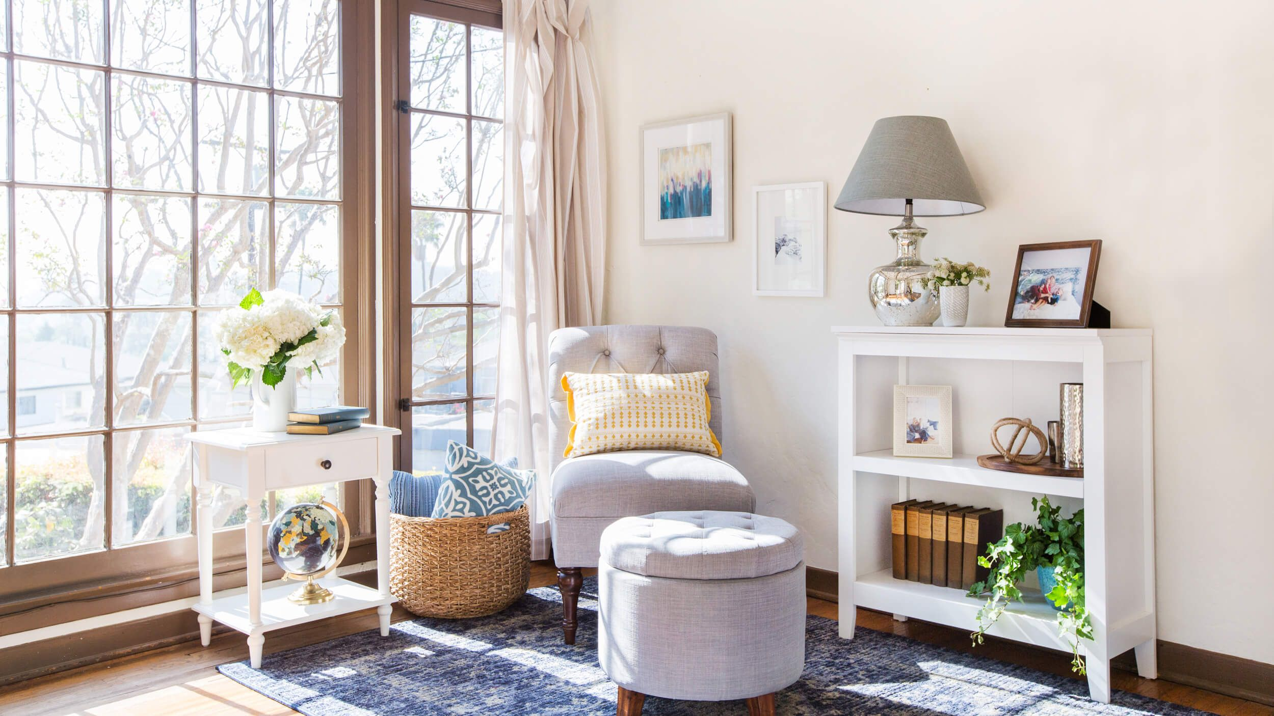 traditional style - vignette from modern pieces | Decor & Styling ...