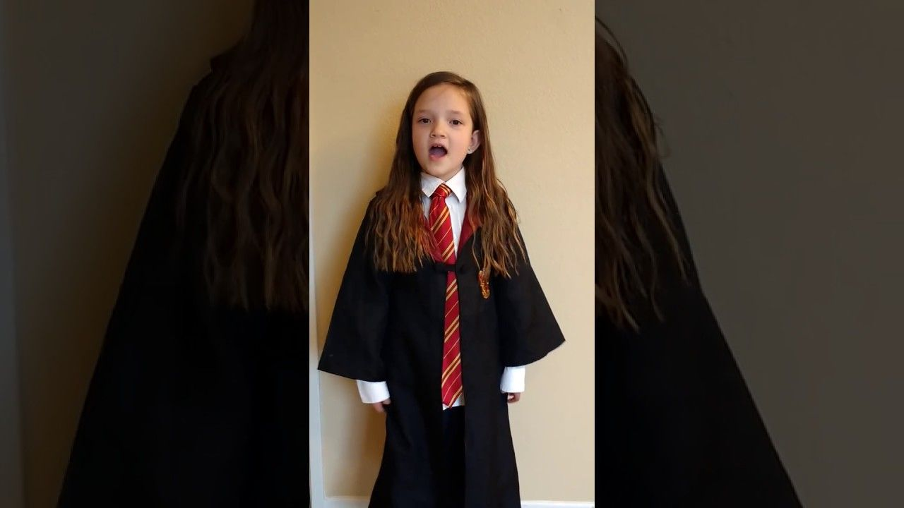 7 Year Old Sings Harry Potter In 99 Seconds Originally By Paint Harry Potter Obsession Harry Potter 99 Seconds Harry