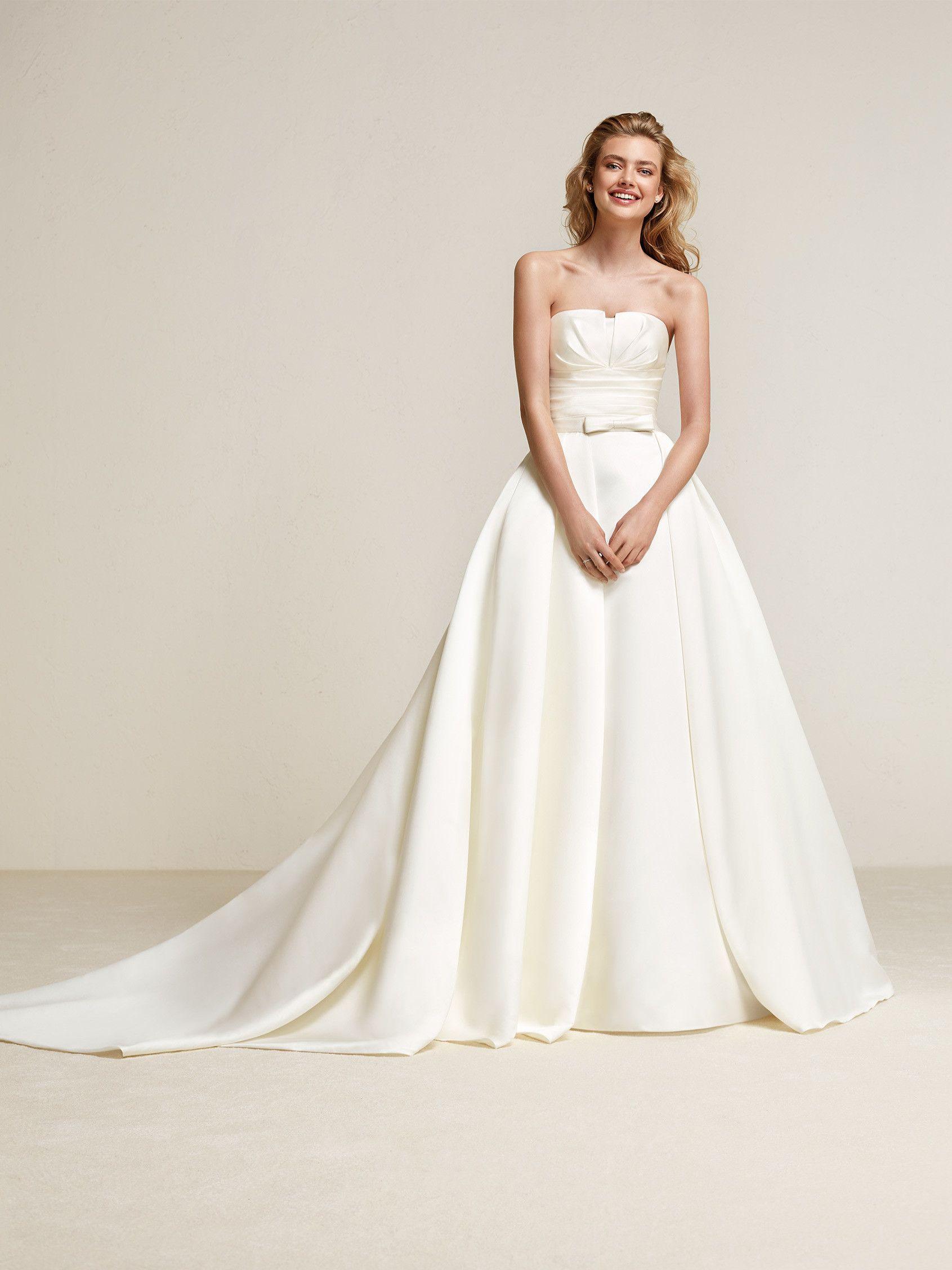 Draminia: Wie eine Prinzessin fühlt man sich in diesem Brautkleid in ...