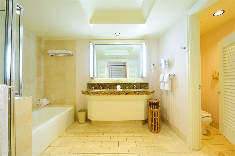 Hapuna Beach Prince Hotel   bathroom   HAWAII   Hapuna Beach Prince     Discover the Hapuna Beach Prince Hotel Hawaii with My Hawaii Package Deals  packed with exclusive inclusions  flights and much more