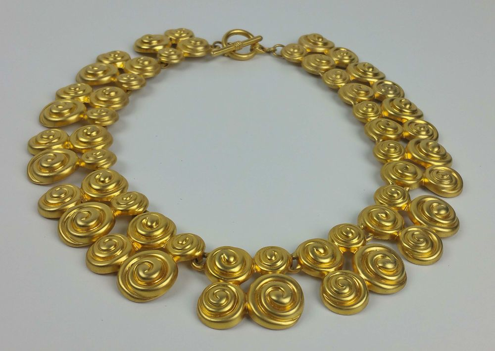 VINTAGE Golden Tone Metal Swirl Design Panel Link Collar Necklace