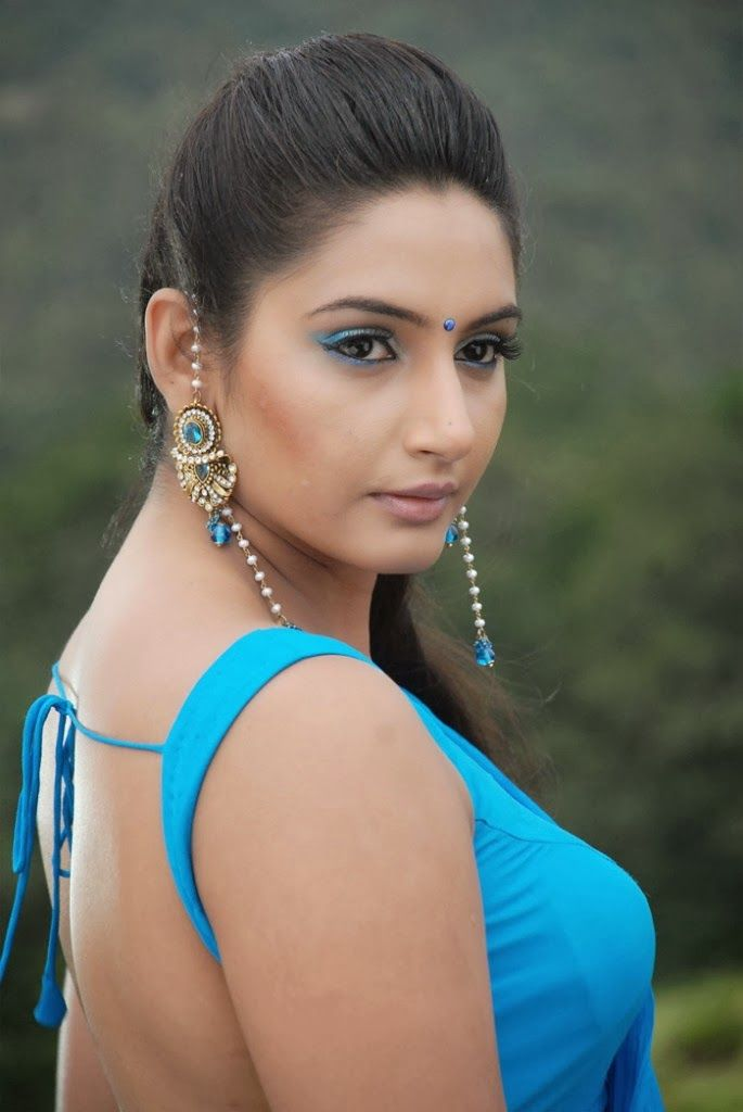 Model Ragini Dwivedi Latest Hot Photos Now Only At Hotactress Co In Check Out For More Hot And Sexy Images Of Kannada Actress Ragini Dwivedi