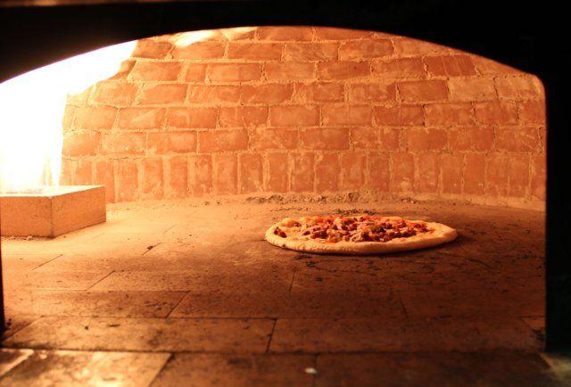 Ottava Via Brick oven pizza -Corktown's Ottava Via has the meatballs to do rustic Italian
