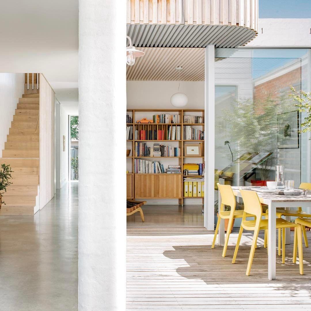 "100 curtidas, 4 comentários - Australian Architecture (@australian_architecture) no Instagram: ""South Melbourne Beach House by Topology Studio: South Melbourne, VIC @topology_studio Photographer:…"""