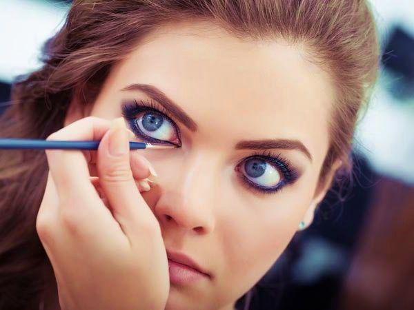 Desideri uno Sguardo profondo….usa il Kohl #makeup ...per visualizzare il CONSIGLIO➨➨➨ http://www.womansword.it/donna-bellezza-consigli/beauty-fai-da-te/beauty-fai-da-te-make-up/desideri-sguardo-profondo-usa-kohl/