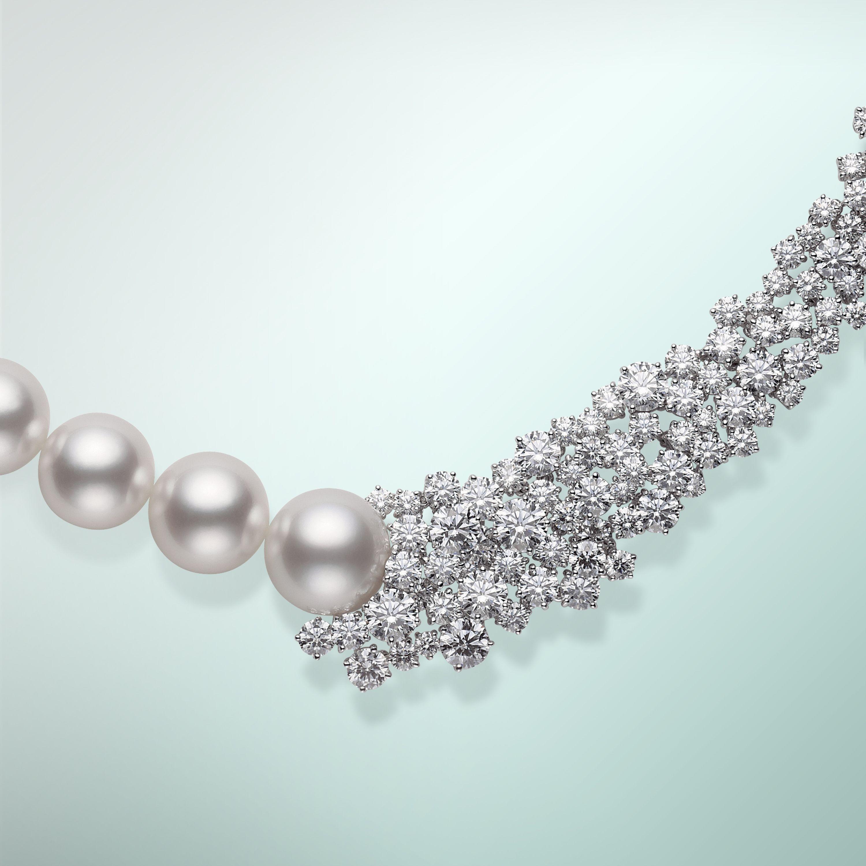a06f00ade4f1 Pendientes De Perlas · Diamonds are a pearl s best friend.  Mikimoto   PearlJewelry  Diamond Joyas