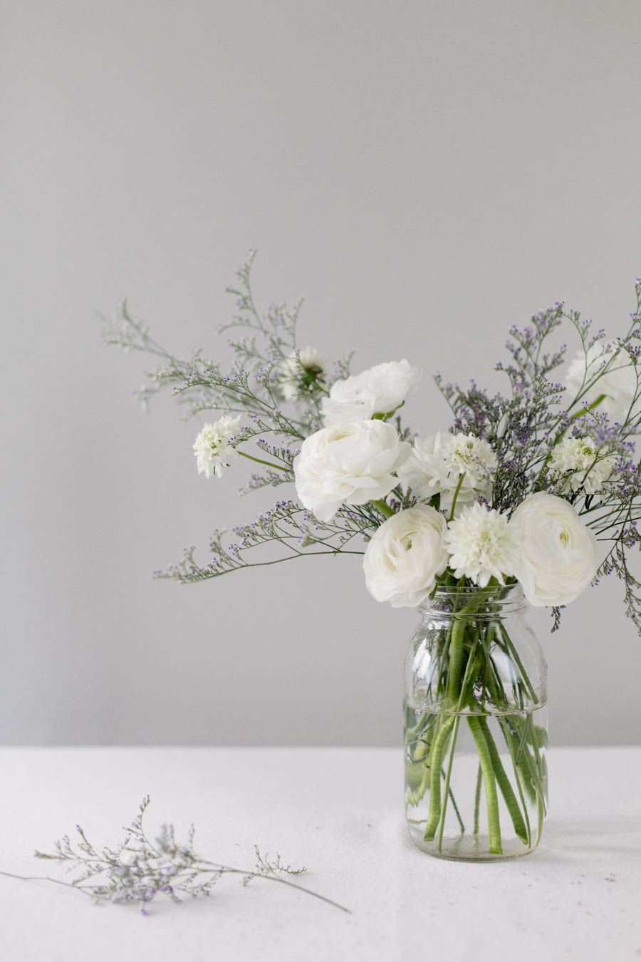 21 fresh cut spring flower arrangements and bouquets easter diy 21 fresh cut spring flower arrangments and bouquets a trendy blog for moms mom blogger mightylinksfo