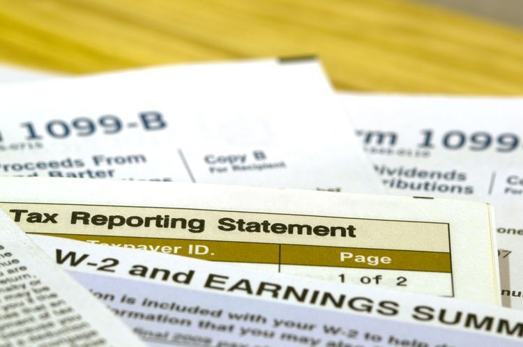 How And When To File Form 1096 With The Irs Pinterest Filing And