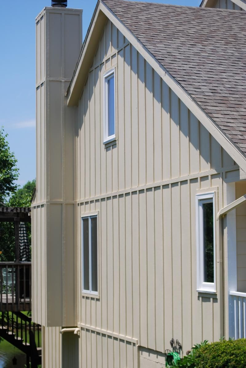 Vertical Vinyl House Siding Exterior
