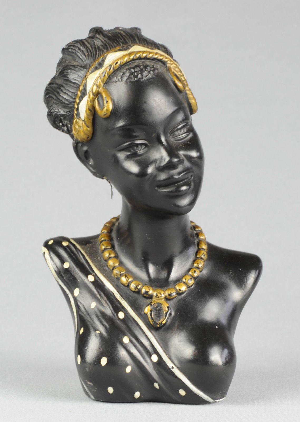 buste femme collier