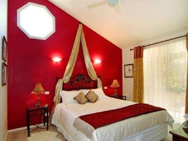 red and white bedroom design ideas with cool bedroom walls