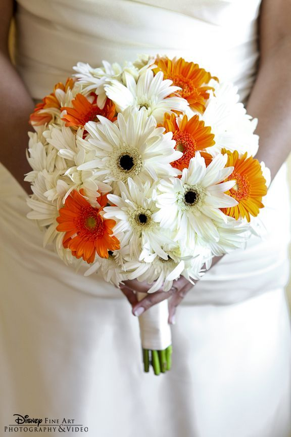 Orange And White Bouquet Daisies Bouquet In White And Orange