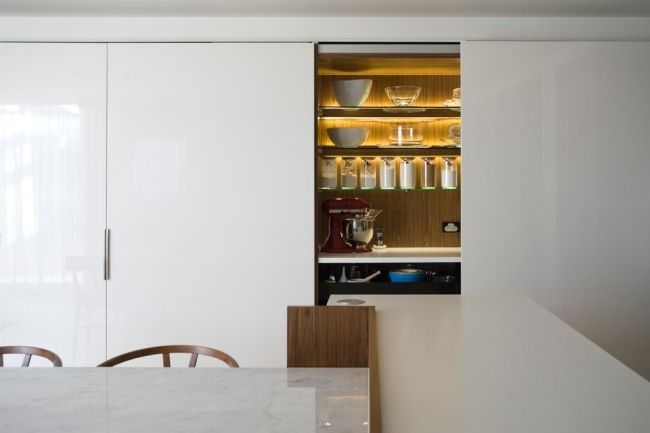 moderne Küchenzeile ideen hochglanz weiß beleuchtung regale - küchenzeile hochglanz weiß