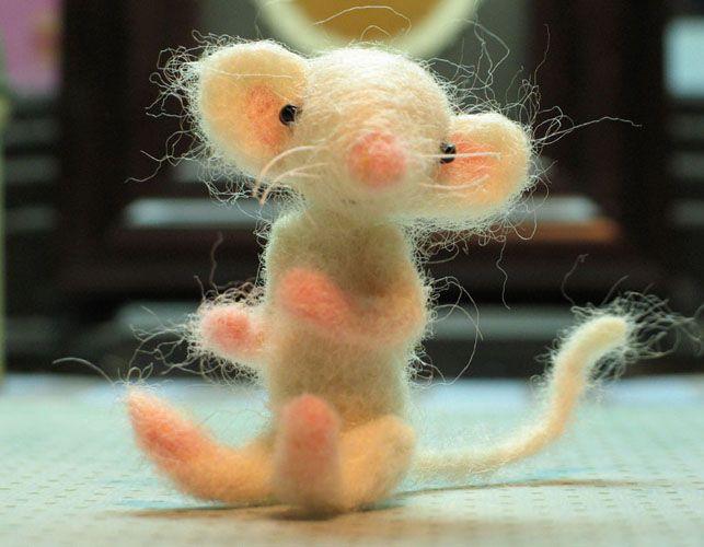 needle felt mouse by Susan Mitchell