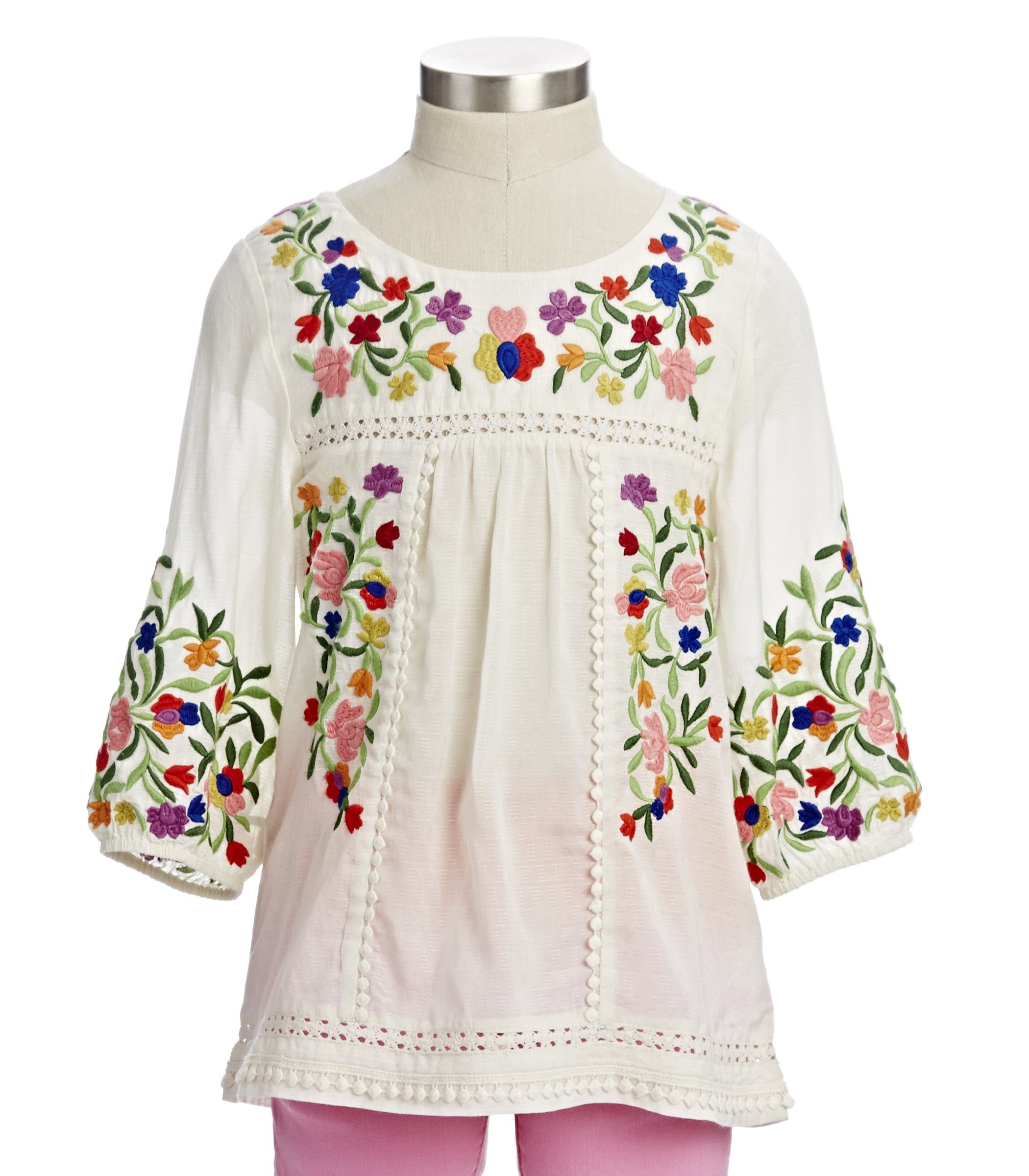 A White Hippie Style Embroidery Top is available at $45 from Pasaboho. ❤  These