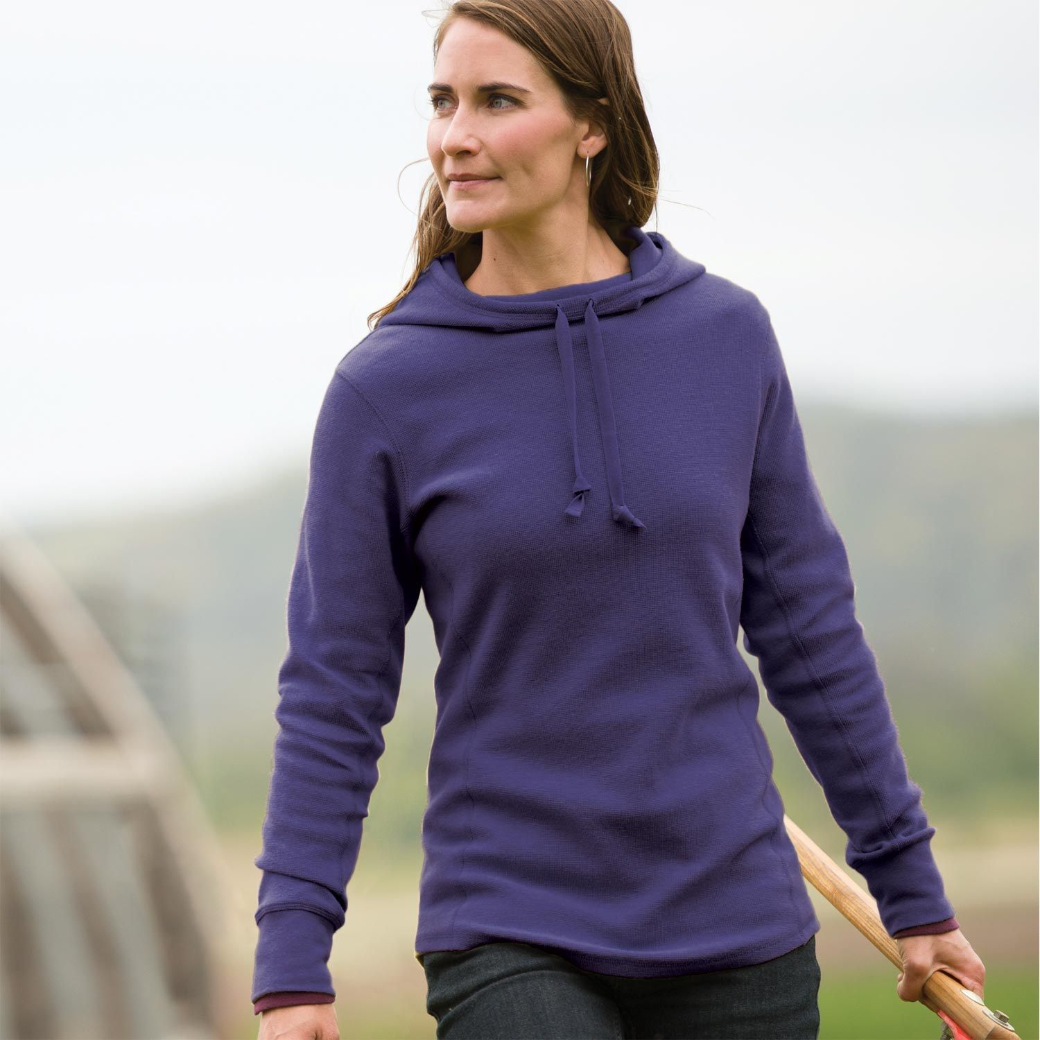 """The women's Longtail T Waffle Hoodie warms you from head to heinie. The thermal knit fabric holds in heat. Plus, 2"""" extra inches to protect your backside."""
