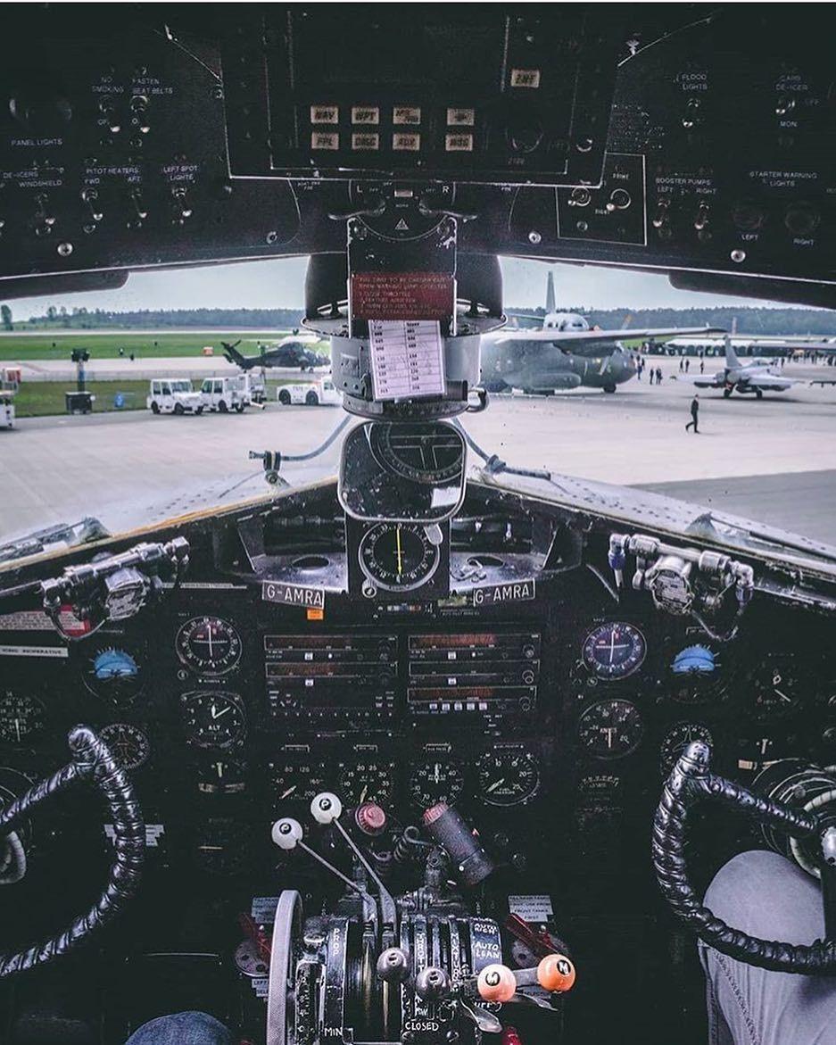 Airline pilotpilotpilotsairlinesairlineamerican