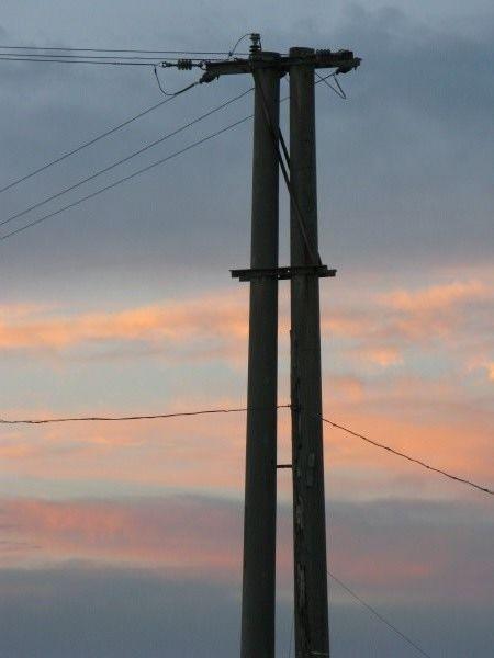 poste de luz,luz,poste,torre,electricidad,energia,atardecer,ocaso ...