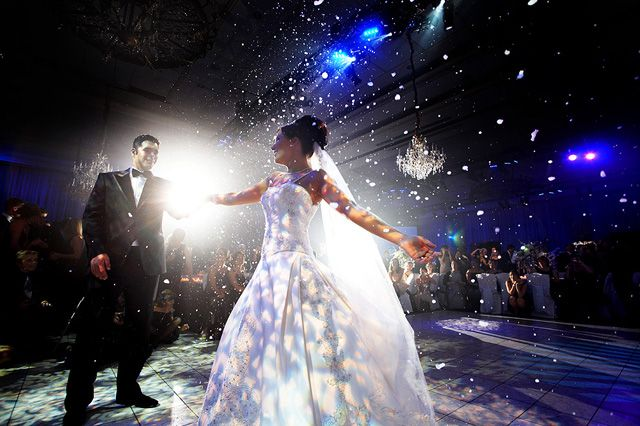 Great First Dance Idea For My Winter Wonderland Inspired Wedding Snow Flakes Falling The