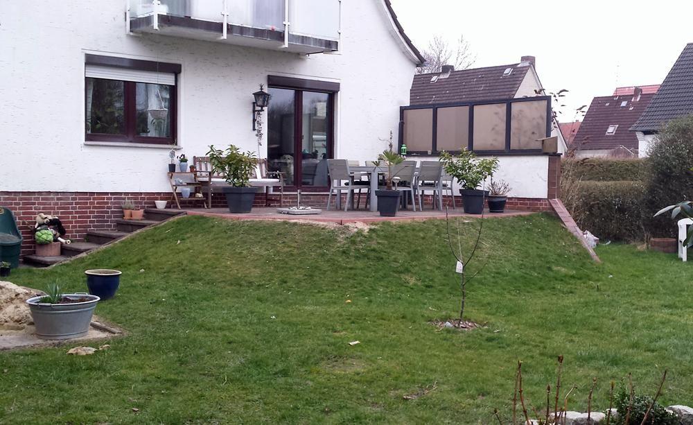 1 Garten 2 Ideen Gestaltungsvorschlage Fur Eine Erhohte Terrasse Erhohte Terrasse Terrasse Mit Pergola Terrasse