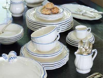 Made in France. (5-pc place setting) $135 #dinnerware #china #stoneware .miriamzulategui.com. \  & Filets Bleus\