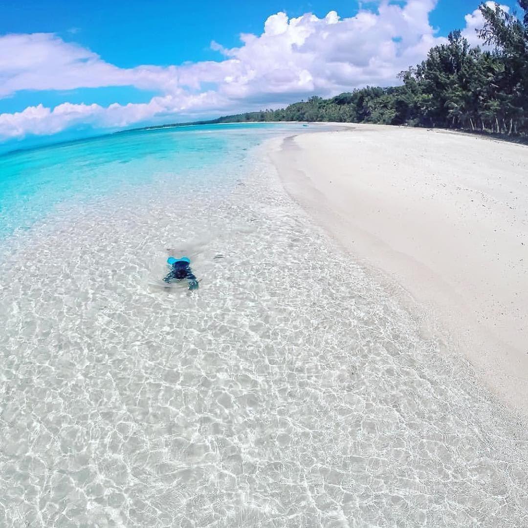 Island Beach Scenes: Patnanungan Quezon Province