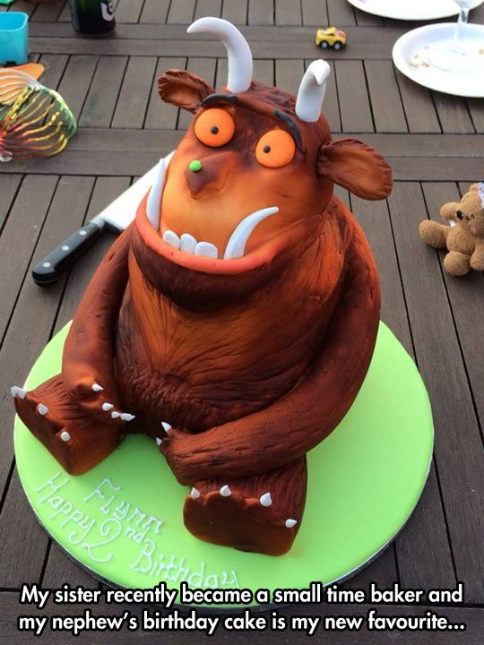THE BEST GRUFFALO CAKE I HAVE EVER SEEN!!!! Ok, the only Gruffalo cake I have ever seen. But still!!