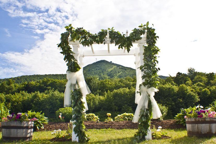 Weddings At Jay Peak Jay Peak Resort Vermont Wedding Venues Vermont Wedding Jay Peak Resort