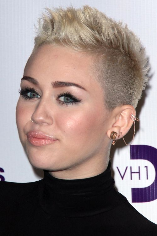 Pin By Stasa Malgaj On Edgy Short Hair Miley Cyrus Short Hair Short Hair Styles Short Hair Haircuts