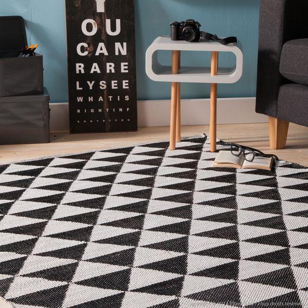 tapis en plastique a losanges noir et blanc 200x290 http www decoration