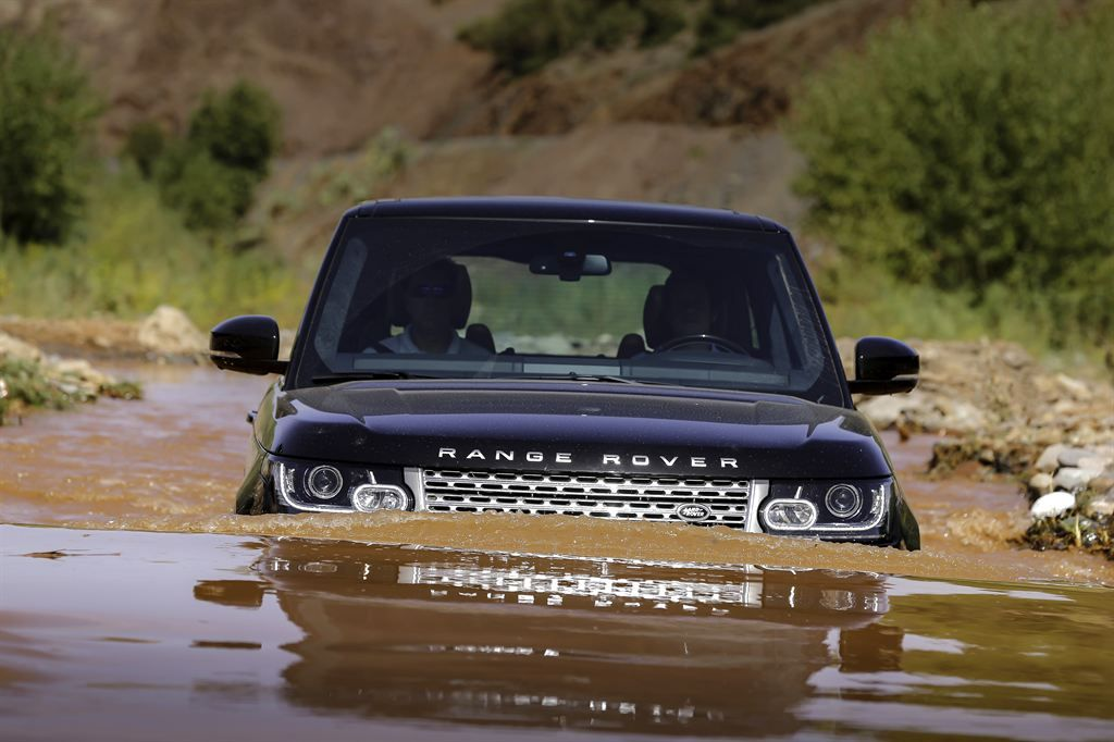 All New Range Rover Makes Its North American Debut Cars