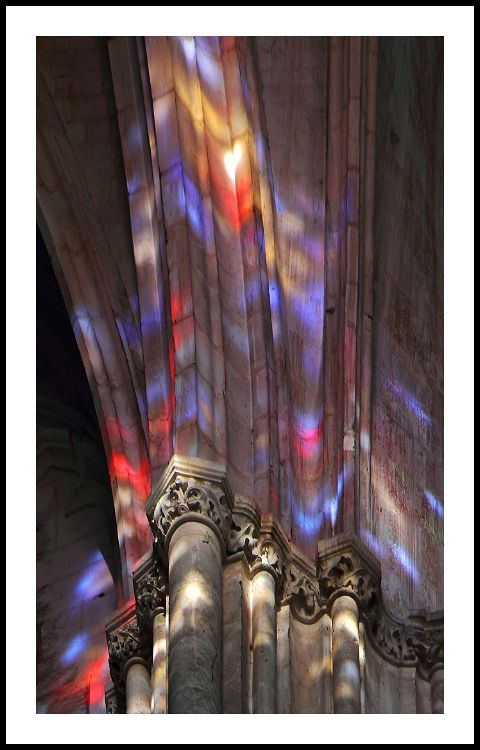 Reflection Of Stained Glass On A Pillar Of The Cathedral Saint Etienne Of Auxerre The Cathedral - Fenetre Auxerre