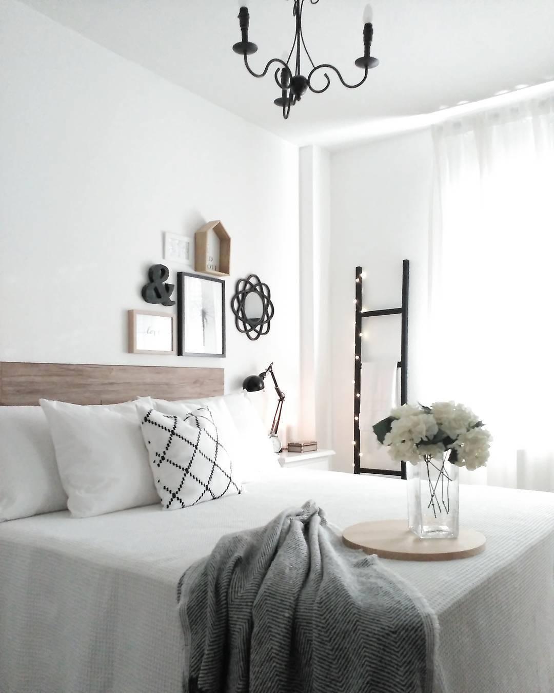 bedroom goals das wei der bettw sche w nde und blumen bringt diesen look zum strahlen. Black Bedroom Furniture Sets. Home Design Ideas