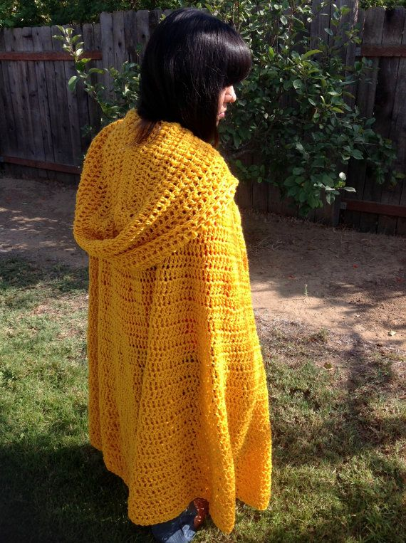 Hooded Gold Cloak Crochet Renaissance Cape Por Gamachanriot