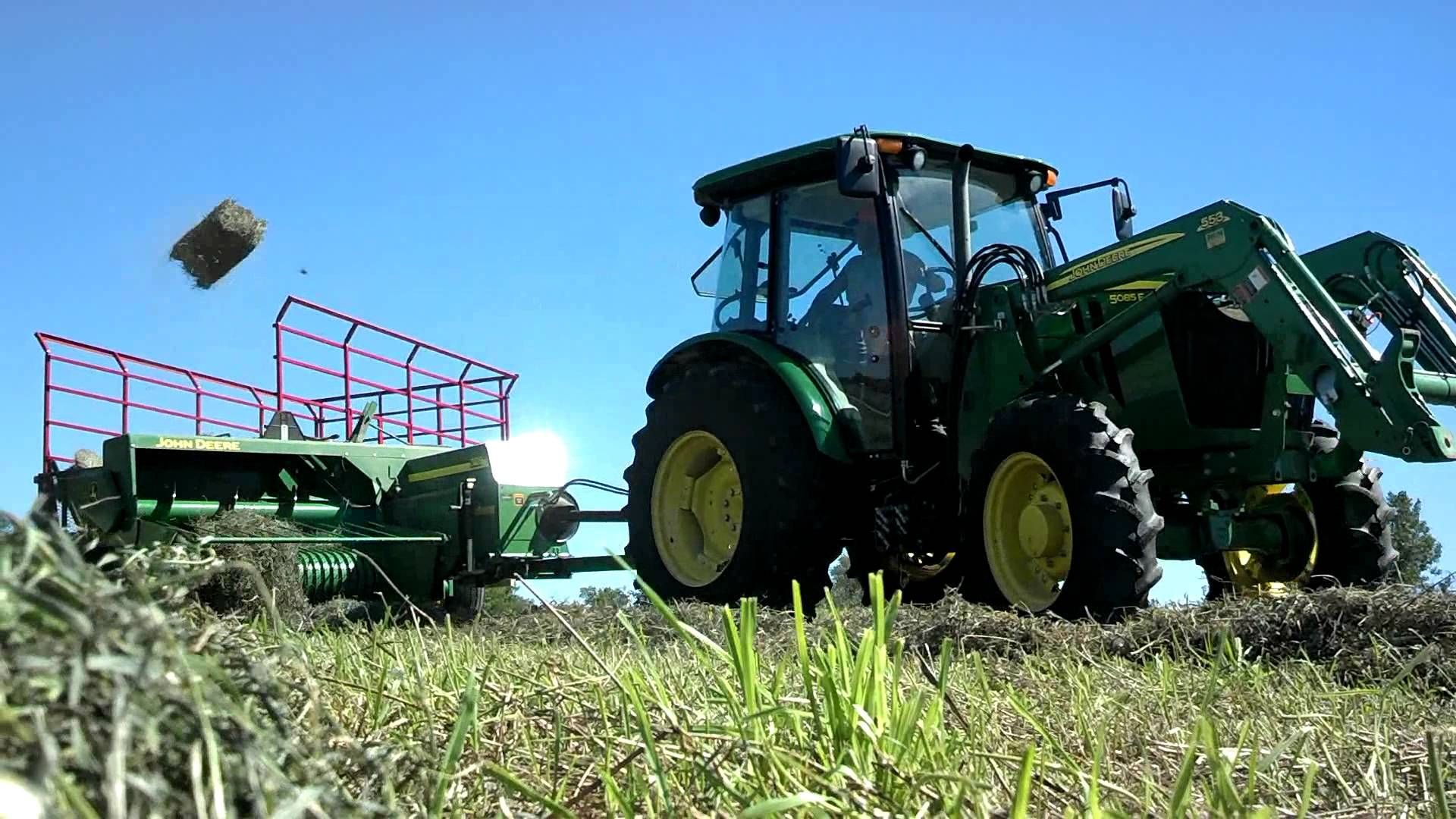 2014 2nd Crop Haybaling with John Deere 5085e, Farmall M
