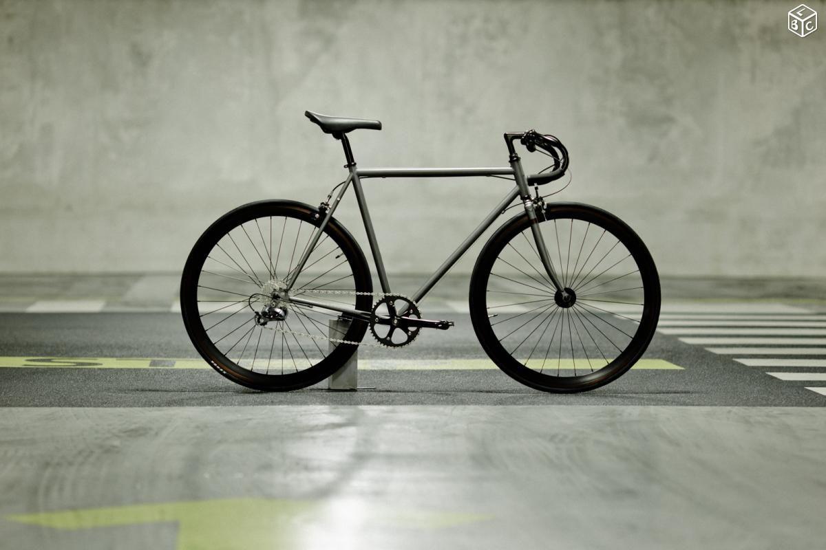 Superbe vélo urbain neuf, 7 vitesses, 10.9kg Vélos Alpes-Maritimes - leboncoin.fr