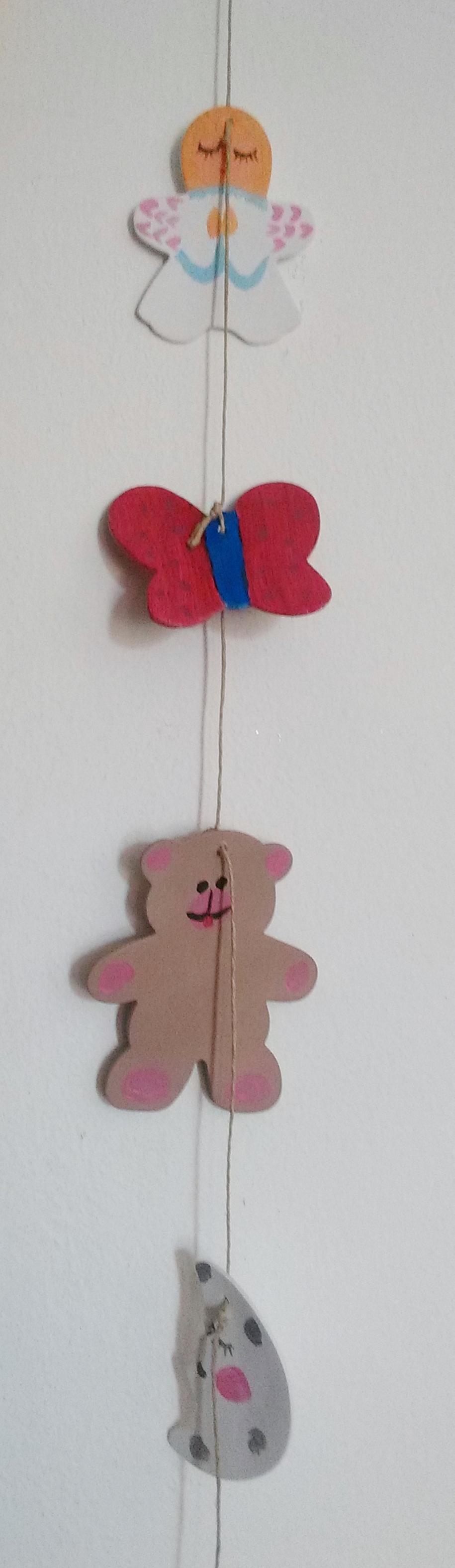 Móvil para decorar el cuarto de una niña. https://www.etsy.com/es/people/MABOBaBy?ref=hdr_user_menu