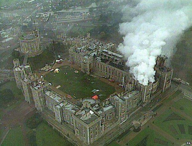 Windsor castle 1992 fire   Windsor castle fire, Windsor ...