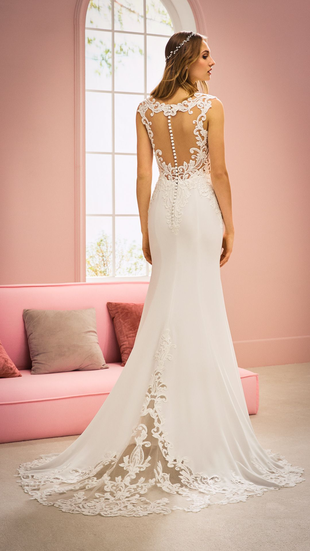 Hochzeitskleider 10 White One Kollektion Modell: LAVA-C