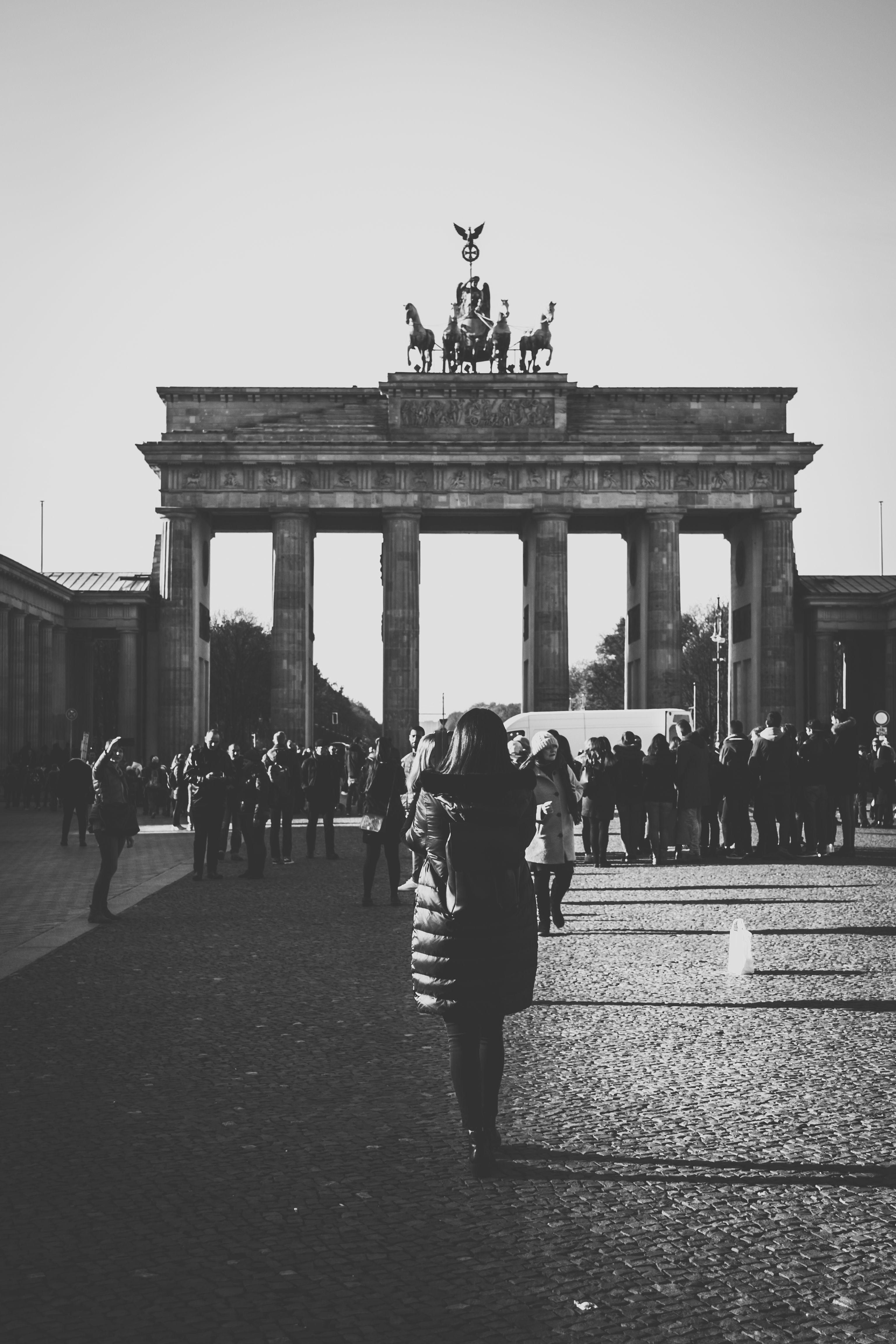 Brandenburg Gate In Berlin Germany Bnw Street Photography Berlin