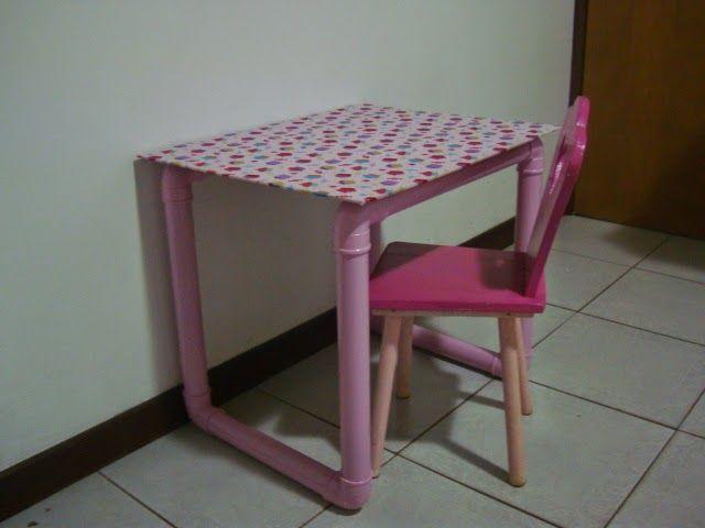 Mesa para crianças feita de PVC