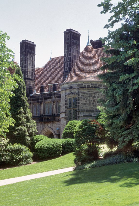 Castle In East Walnut Hills On Keys Crescent Mansions Beautiful Homes Great House